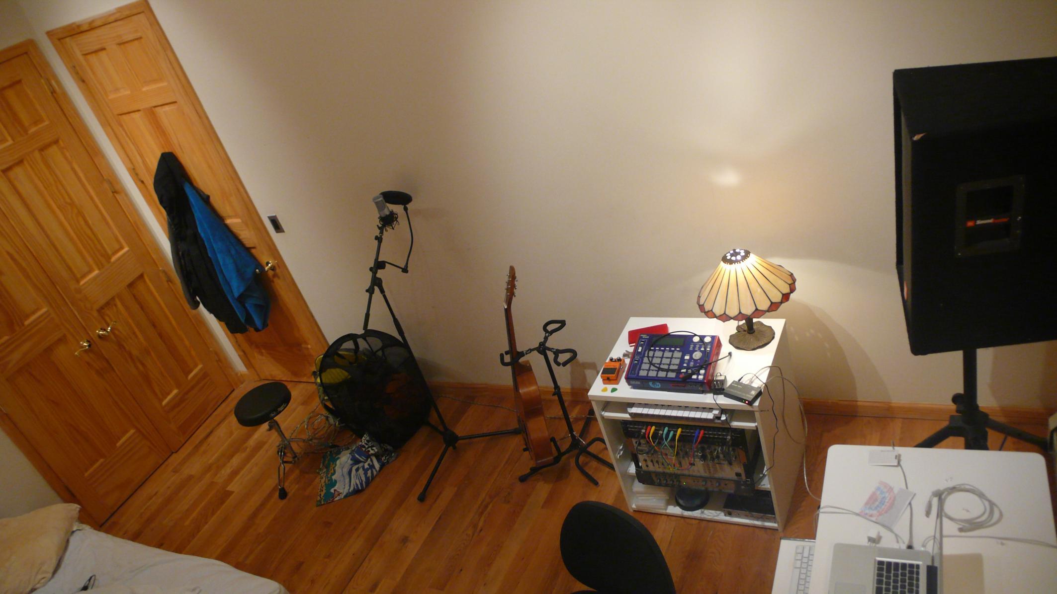 Charmant ... Bedroom Studio Basics   Before Acoustic Treatment P1100853