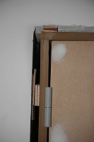 space between door assembly and wall-deur.jpg