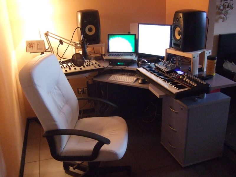 Small home studio for electronic music gearslutz pro audio community - Home studio ...