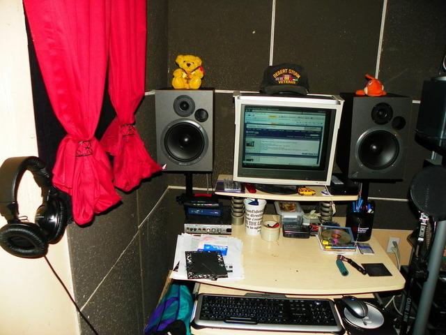 Studio Monitor Placement Corner Studio Monitor Placement