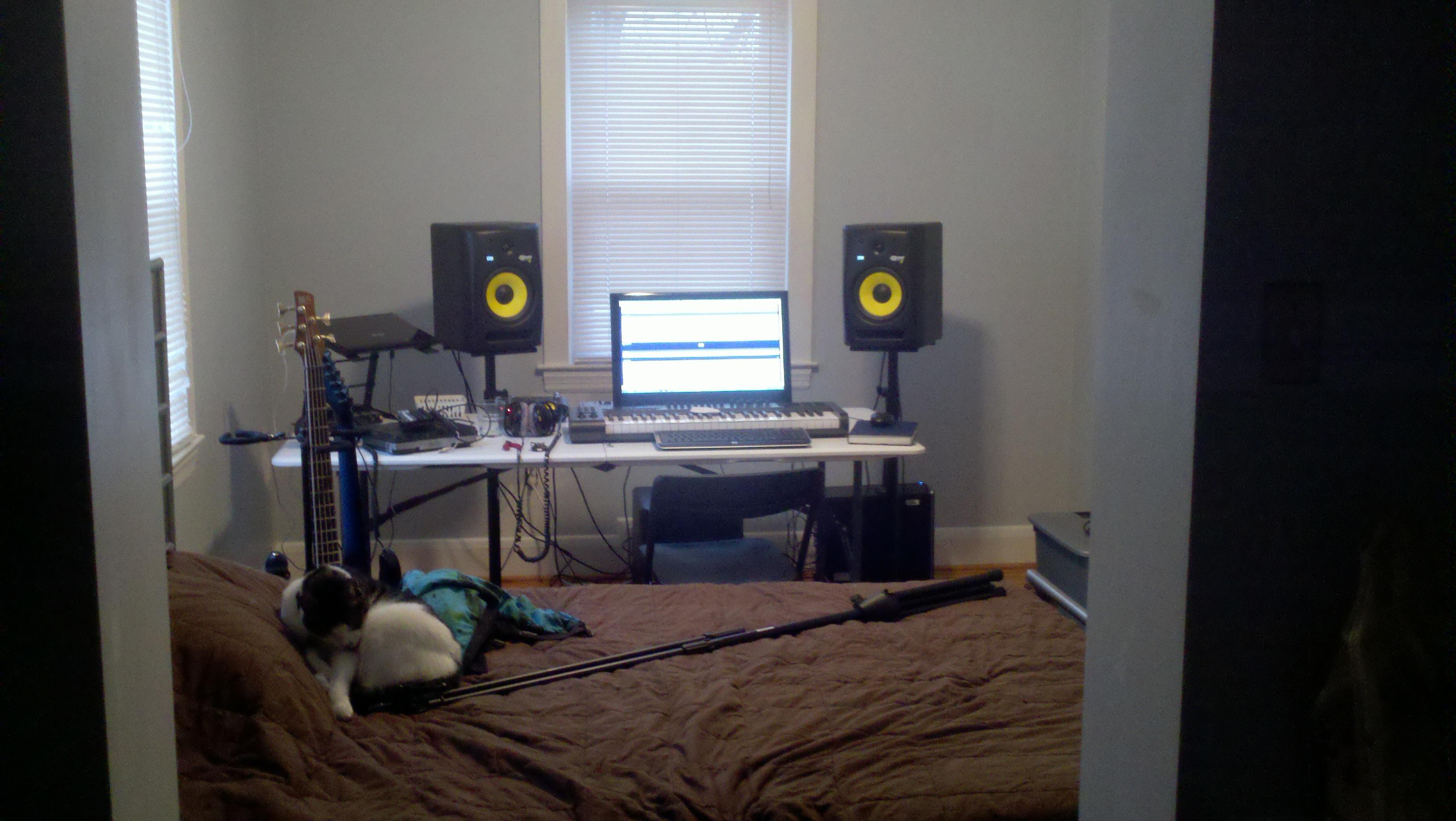 Bedroom Studio Arrangement Suggestions Images