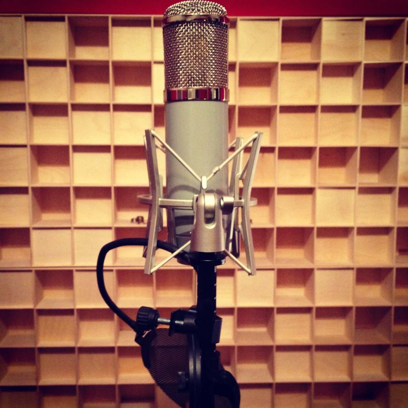 how to make your mic sound better logic pro