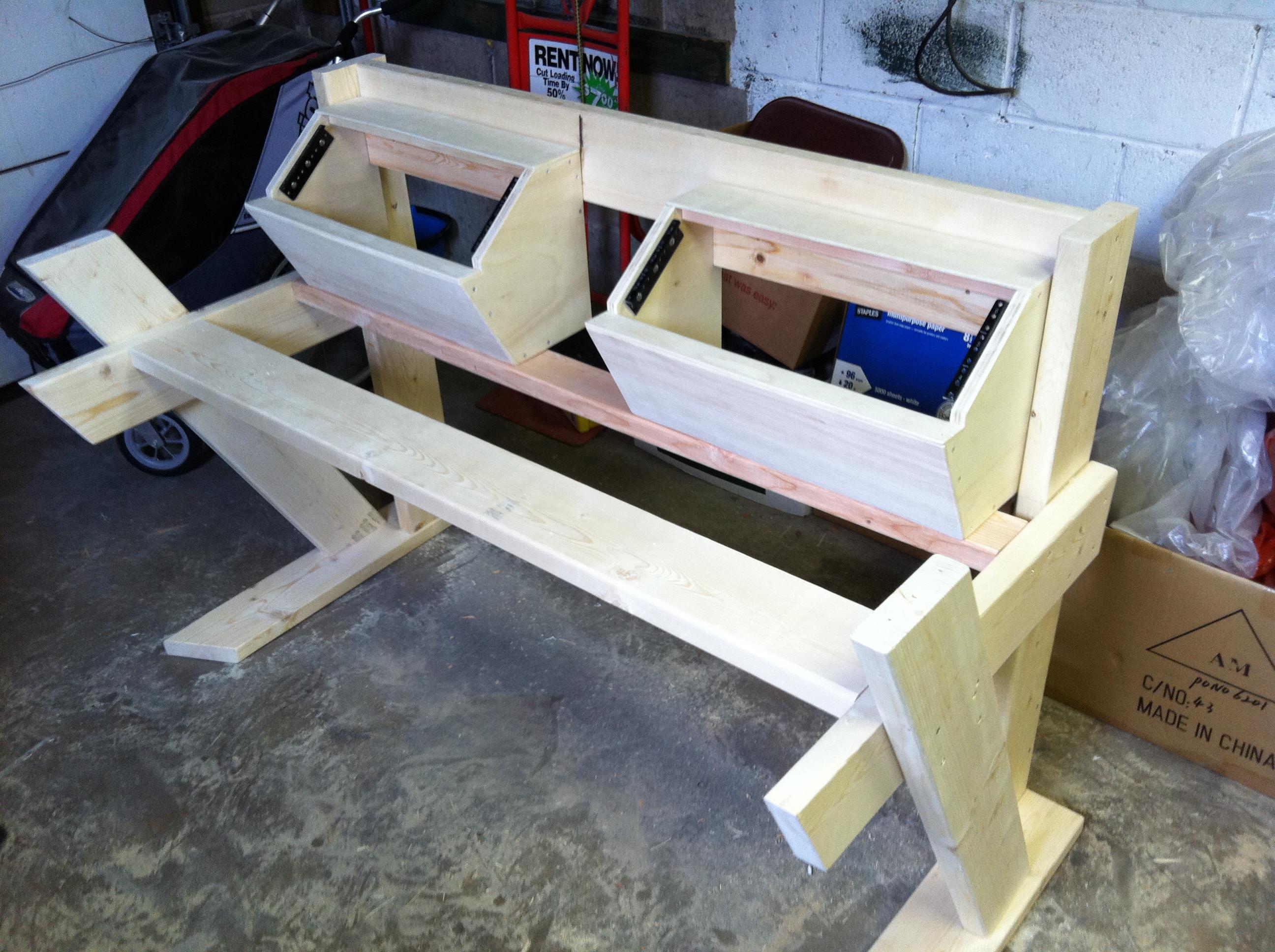 diy studio desk keyboard workstation under 100 page 2. Black Bedroom Furniture Sets. Home Design Ideas
