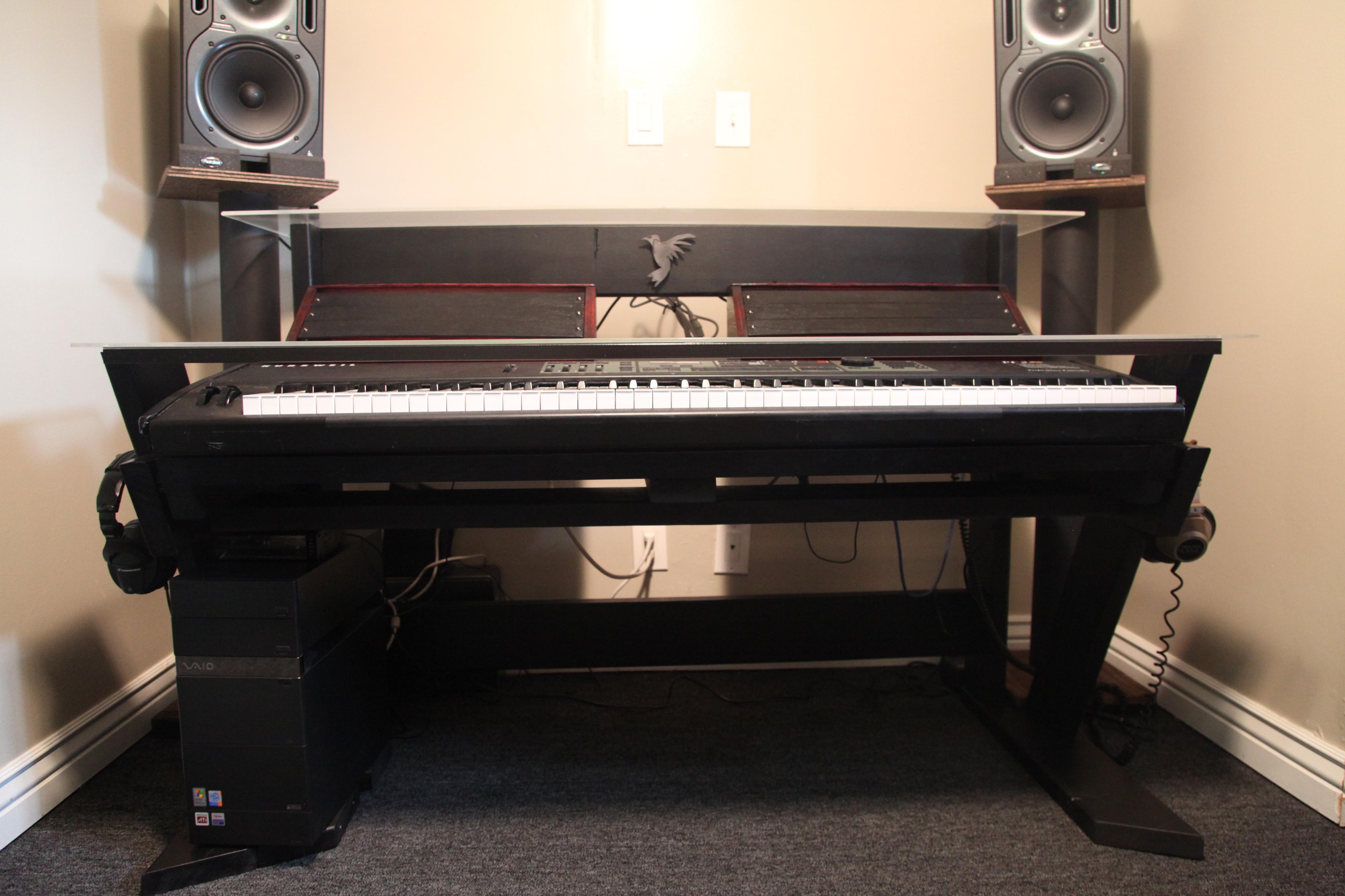 diy studio desk keyboard workstation under 100 page 2 gearslutz pro audio community. Black Bedroom Furniture Sets. Home Design Ideas