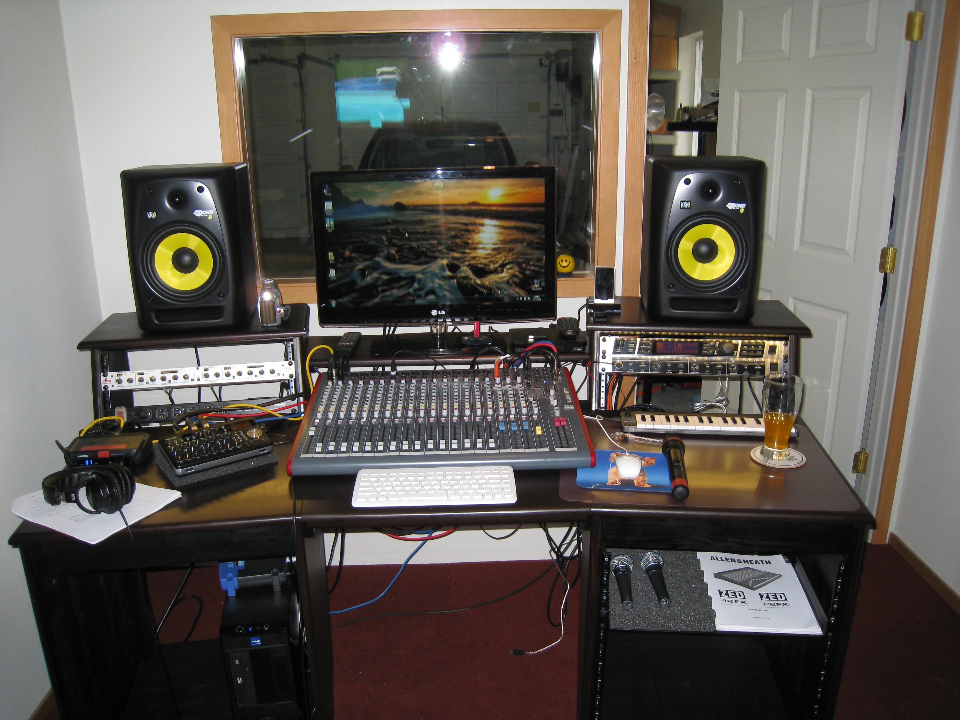 sound construction studio desk clone build page 2 gearslutz pro audio community. Black Bedroom Furniture Sets. Home Design Ideas