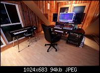 One room studio with loft space - help-controlroom.jpg