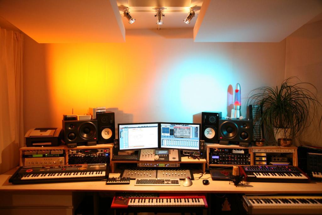 Flat studio desk rack furniture pieces? - Gearslutz Pro ...