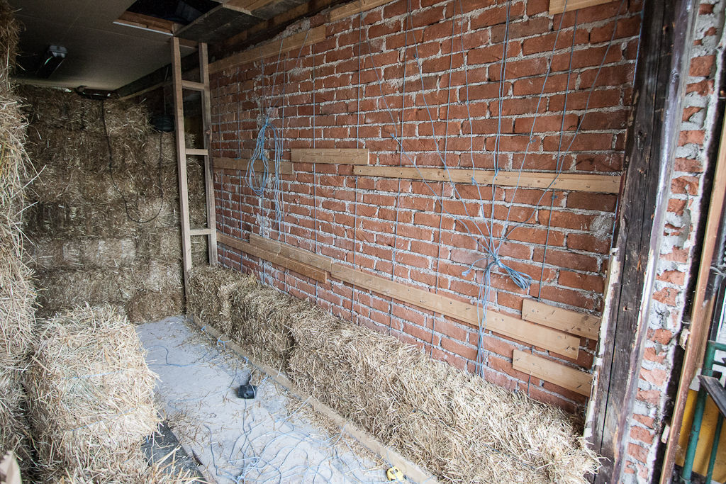 how to make straw bale walls