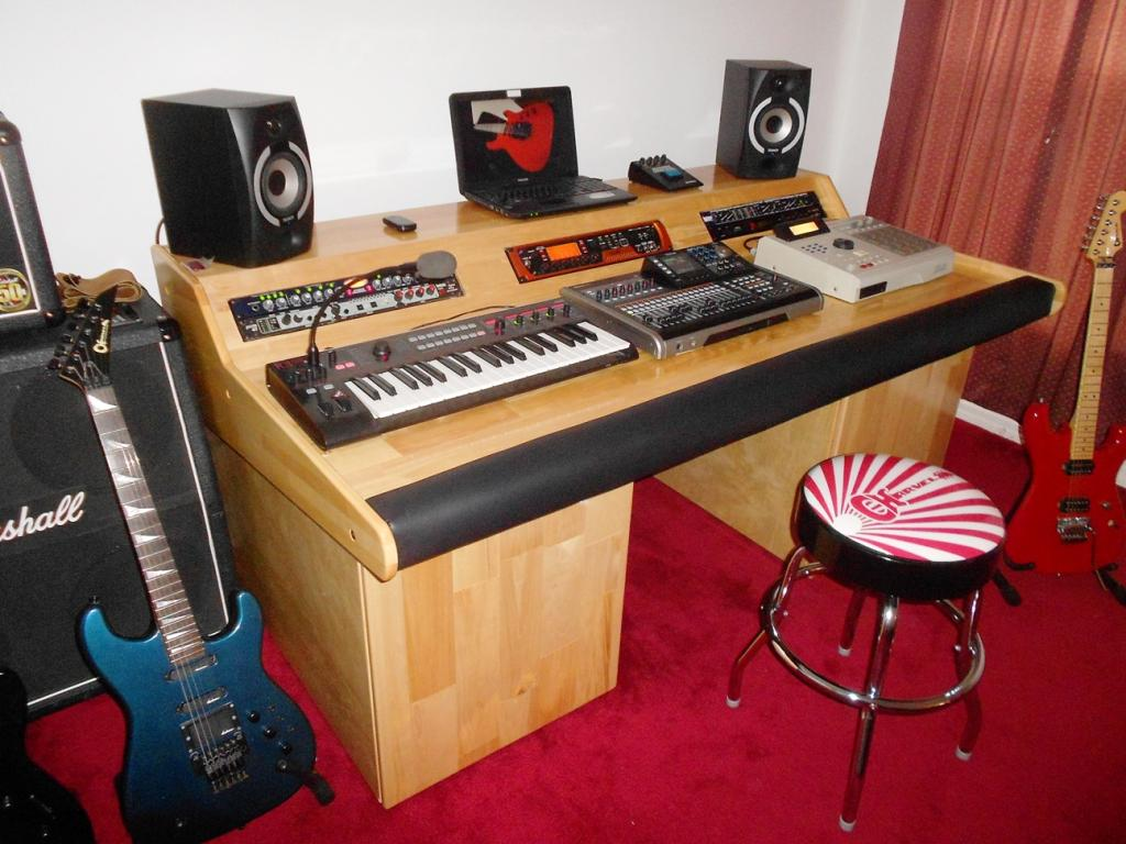 Need Ideas On Diy Arm Rest Wrist Rest For My Home Studio S Desk 1