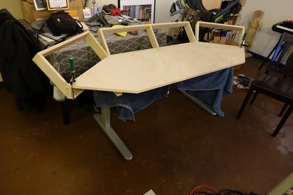 Diy Motorized Desk Diy Motorized Standing Desk Hacked