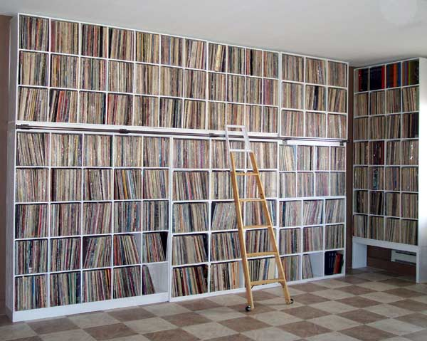 Does a wall Vinyl /Lp´s shelves work as bass traps at all ...