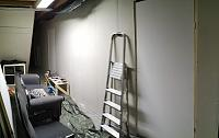 Building a studio on 2 levels-day-20-corridor-outer-wall-.jpg