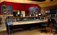 Equilateral triangles/ monitor placement.-studio-speakers-not-30deg-3.jpg