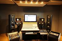 Equilateral triangles/ monitor placement.-studio-speakers-not-30deg-9.jpg