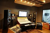 Equilateral triangles/ monitor placement.-studio-speakers-not-30deg-10.jpg