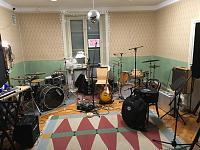 Basic room treatment for drums or more directional mics-my-oak-kit-corner.jpg