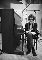 """So what IS the """"best"""" vocal mic?-bob-dylan-piano-during-recording-session-1965.jpg"""